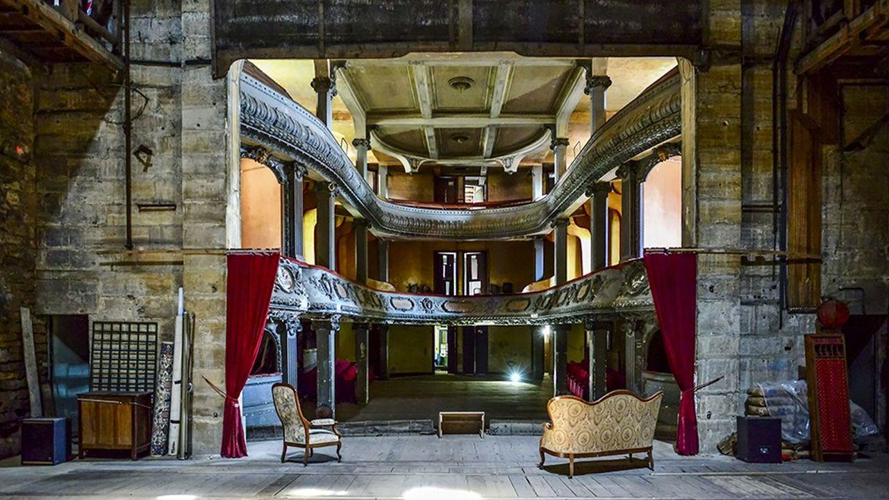 Construit en 1900, le théâtre des Bleus de Bar n'accueille plus de spectacles depuis les années 1970.