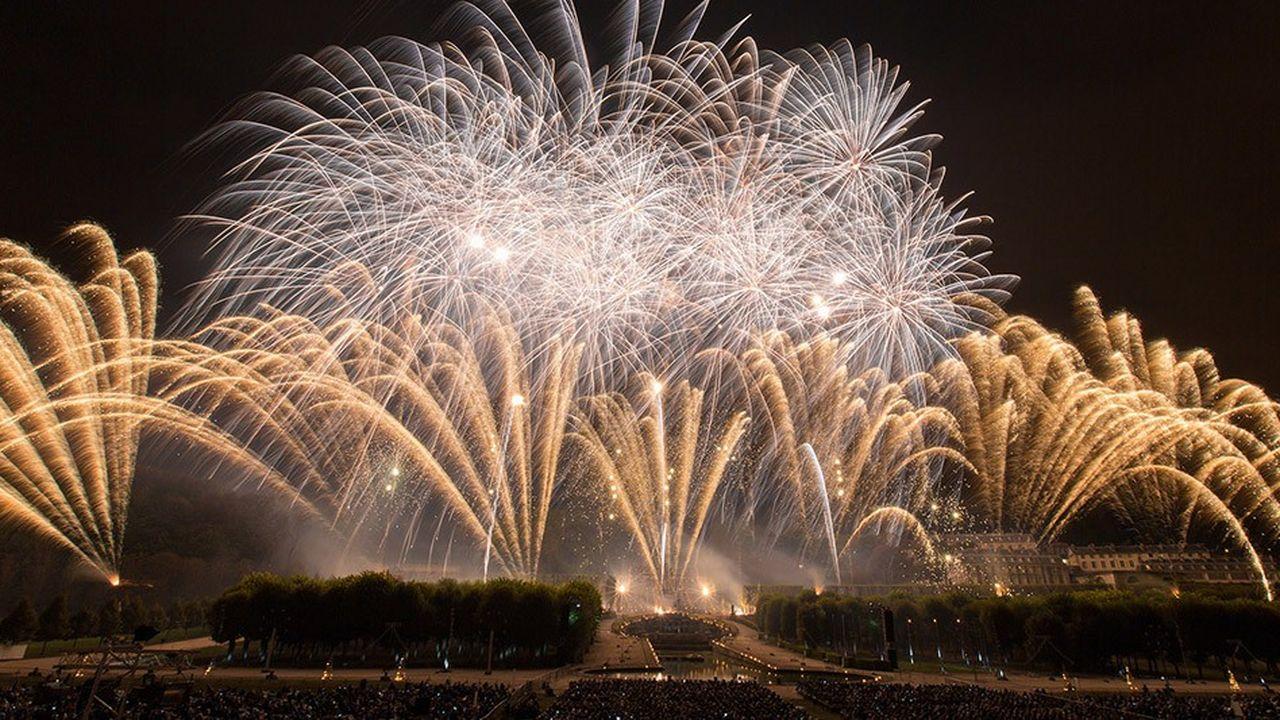 Ce spectacle au domaine national de Saint-Cloud, dans les Hauts-de-Seine, est considéré comme le plus grand feu d'artifice d'Europe.