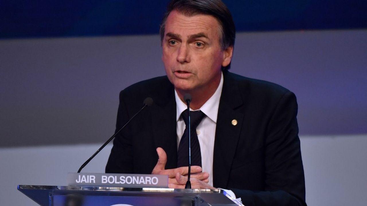 Jair Bolsonaro est en tête des sondages pour la présidentielle brésilienne après le retrait contraint de Lula.