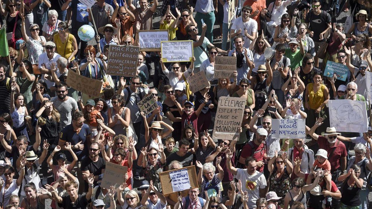 Par dizaine de milliers, ils sont descendus dans les rues de France, comme ici à Nantes, pour demander des actions concrètes au gouvernement sur le climat.