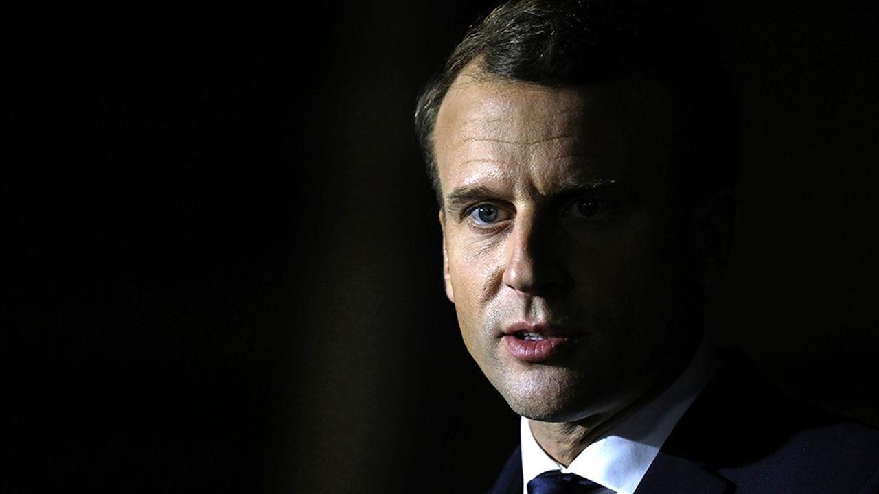 2203706_macron-face-au-risque-de-la-paralysie-web-tete-0302223694827.jpg
