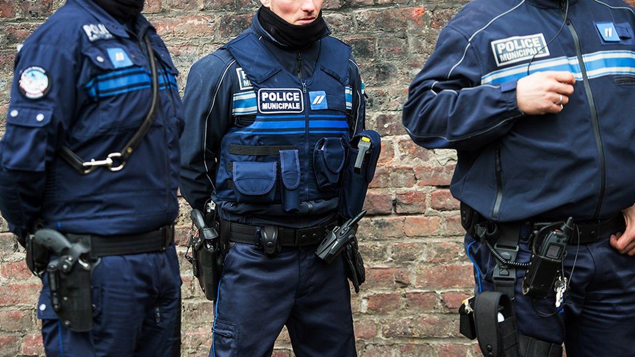 2204110_un-rapport-parlementaire-propose-darmer-les-polices-municipales-web-tete-0302238715548.jpg