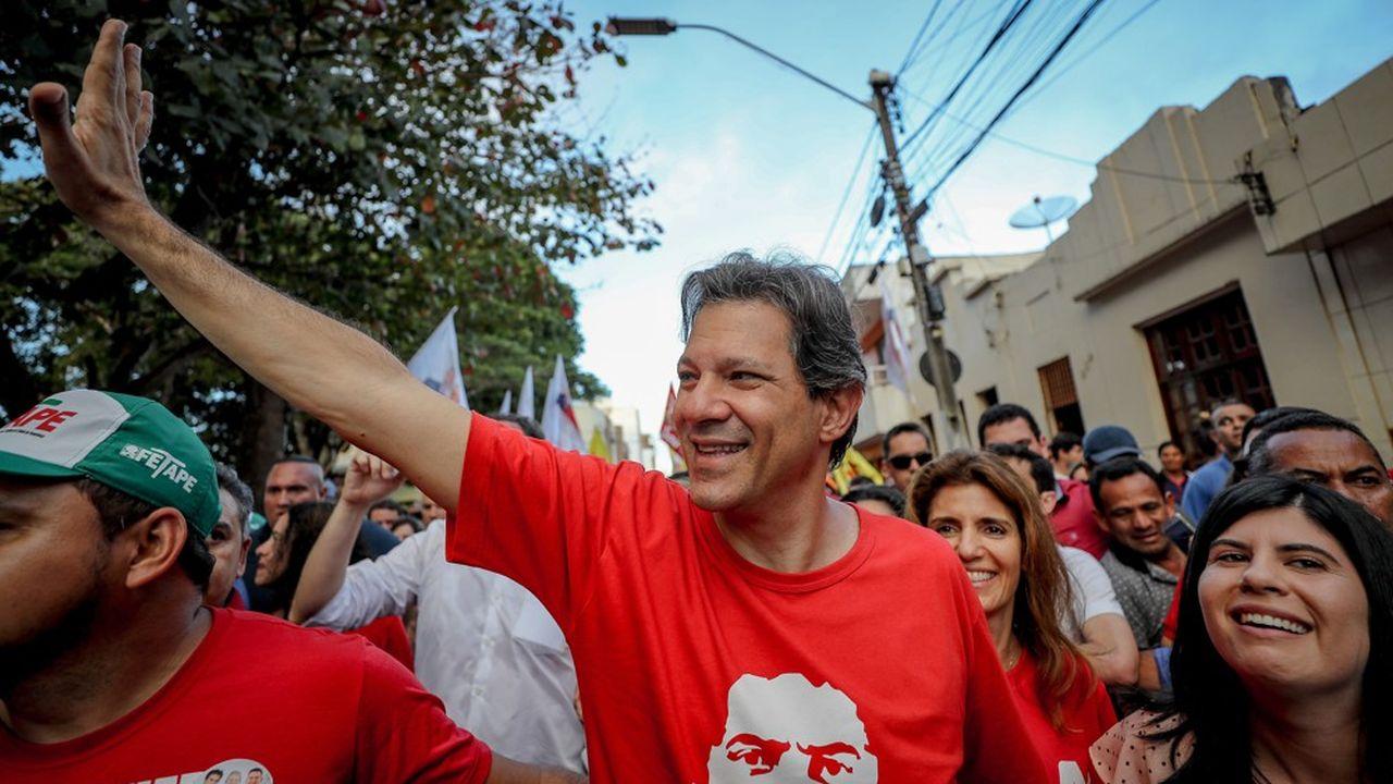 Fernando Haddad, 55 ans, a désormais moins d'un mois pour convaincre les électeurs qu'il est bien le nouveau dauphin de Lula