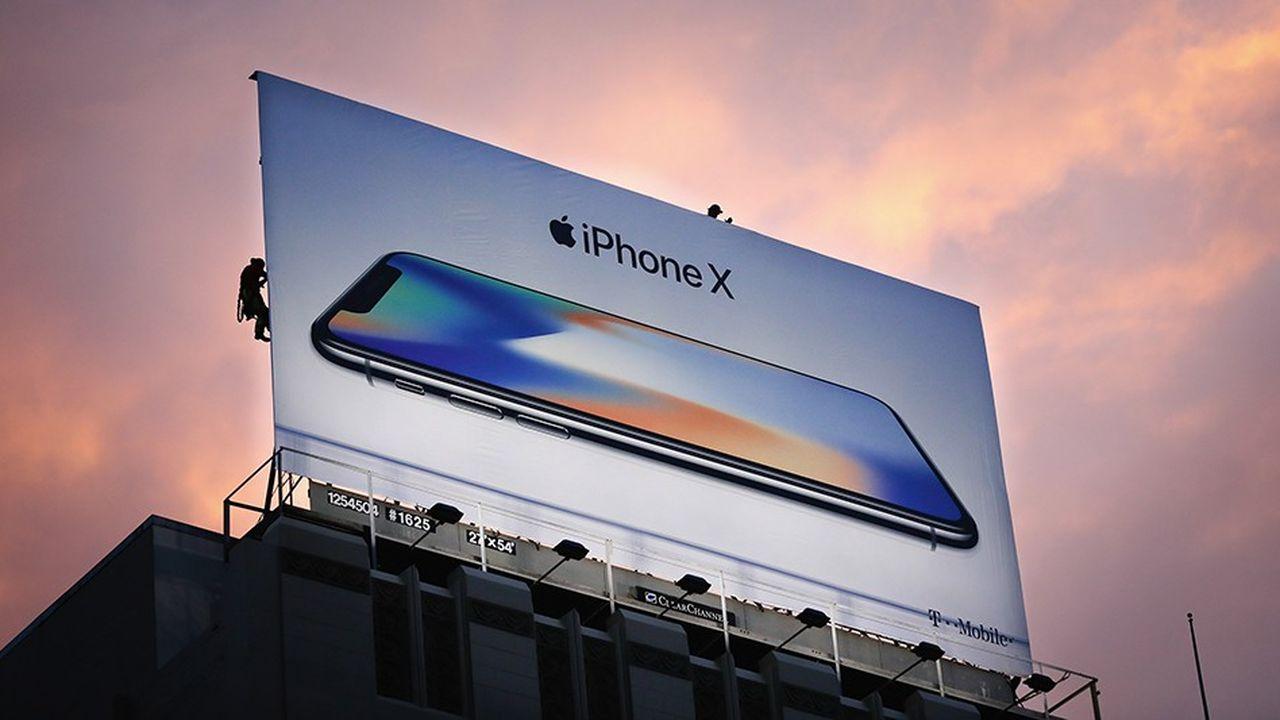 Très critiquée lors de sa sortie à l'automne 2017, l'encoche de l'iPhoneX a été depuis adoptée par de très nombreux constructeurs.