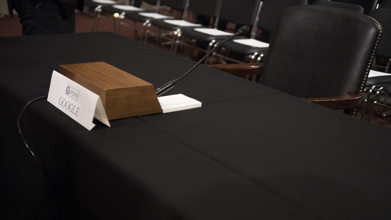 La chaise du géant de la tech est restée vide face aux Sénateurs qui l'avaient convoqué la semaine dernière.