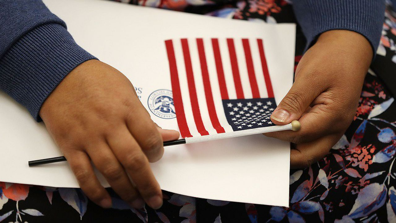 Sur les 44,5millions de personnes nées à l'étranger aux Etats-Unis, la moitié a été naturalisée.