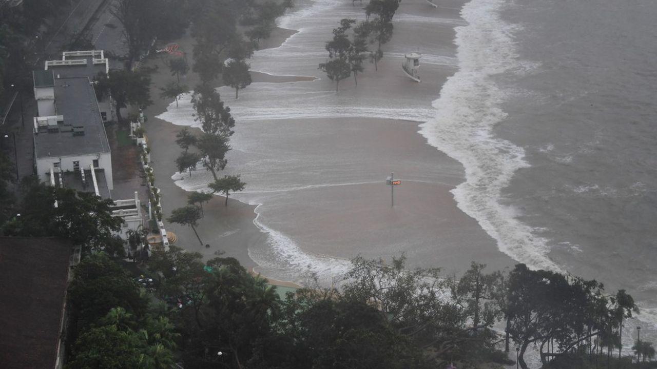 Avant d'atteindre l'ancienne colonie britannique, la tempête avait déjà ravagé les Philippines.