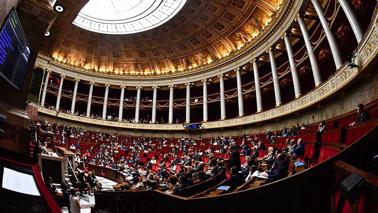 Les députés LREM voteront mardi matin pour élire leur nouveau président de groupe à l'Assemblée nationale.