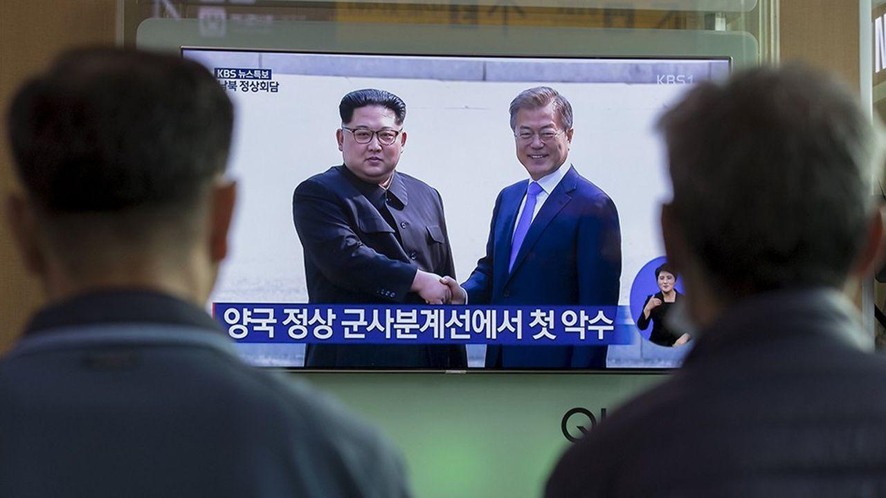 La rencontre des dirigeants de Corée du nord et de Corée du sud retransmise à la télévision en avril2018.