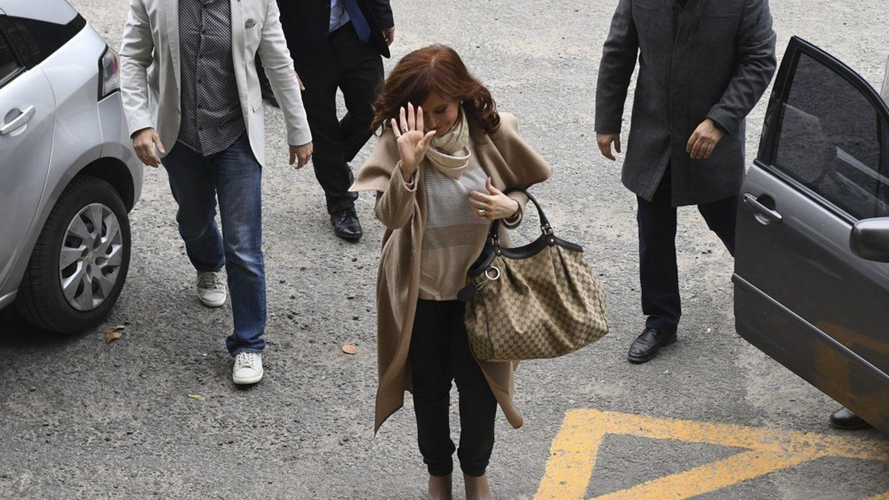 2205815_argentine-lex-presidente-kirchner-inculpee-pour-corruption-web-tete-0302267808488.jpg