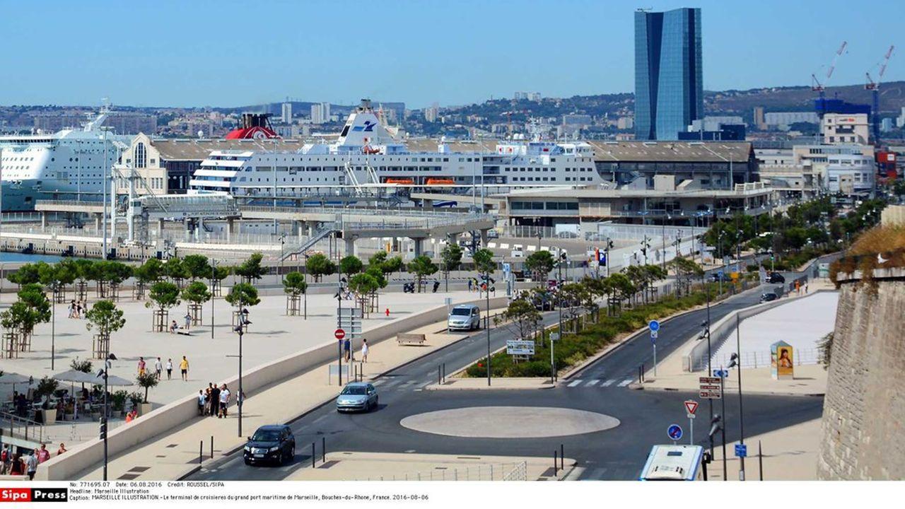 2206066_corsica-linea-va-raccorder-electriquement-trois-de-ses-navires-dans-le-port-de-marseille-web-tete-0302270629938.jpg