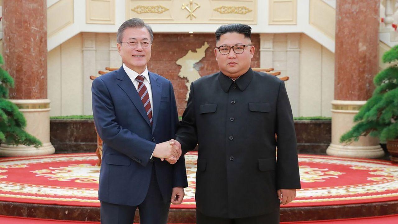 Le leader nord-coréen (à droite) a simplement promis le démantèlement futur de deux sites d'essais militaire et nucléaire