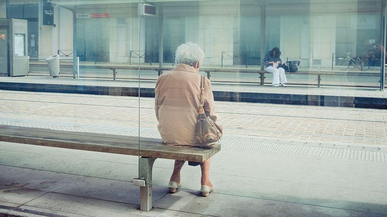 2206396_un-tiers-des-seniors-sans-emploi-ni-retraite-sont-pauvres-web-tete-0302277945004.jpg