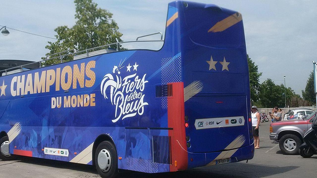 FDB Décoration, implanté àMéricourt (Pas-de-Calais), est une société spécialiste de l'habillage des bus et autocars.