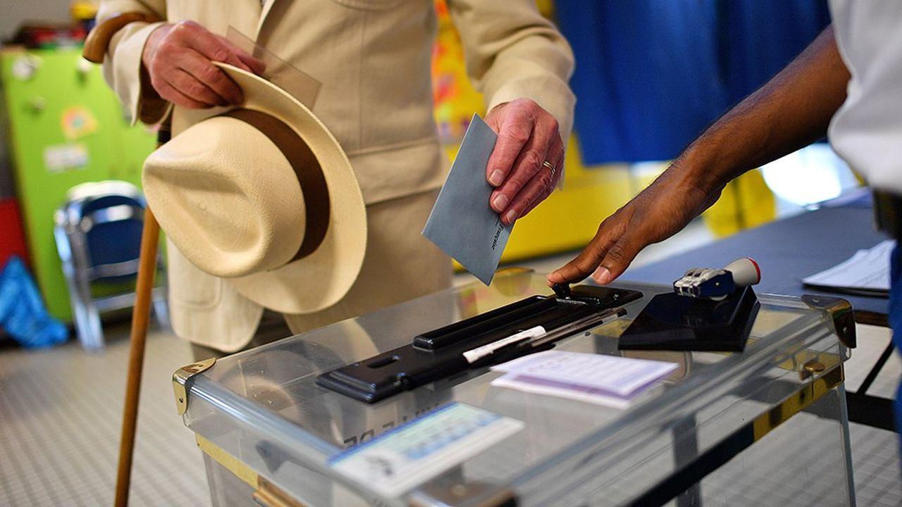 A quelques mois des élections européennes, il est urgent pour l'exécutif de partir à la reconquête de l'électorat retraité, qui non seulement ne vote pas (ou peu) pour le Rassemblement national, mais qui se déplace aussi plus que tous les autres.