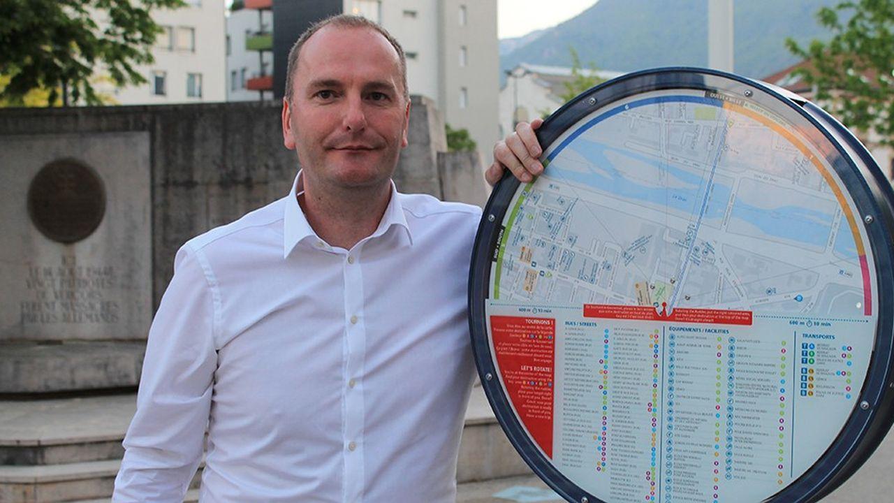 Sébastien Noll, cofondateur de vOOg, avec Le Gouvernail.