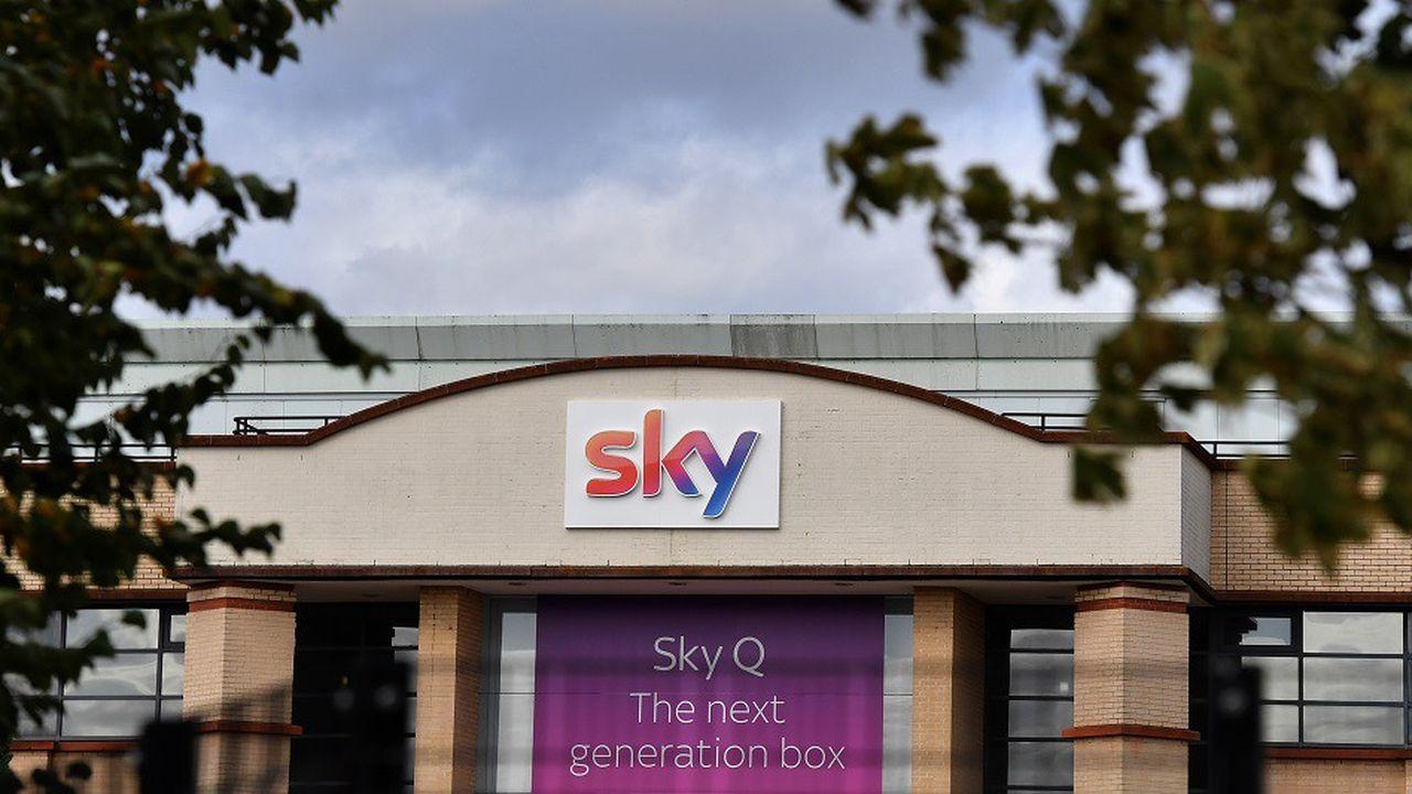 Les actionnaires de Sky ont désormais jusqu'au 11octobre pour choisir entre les deux offres.