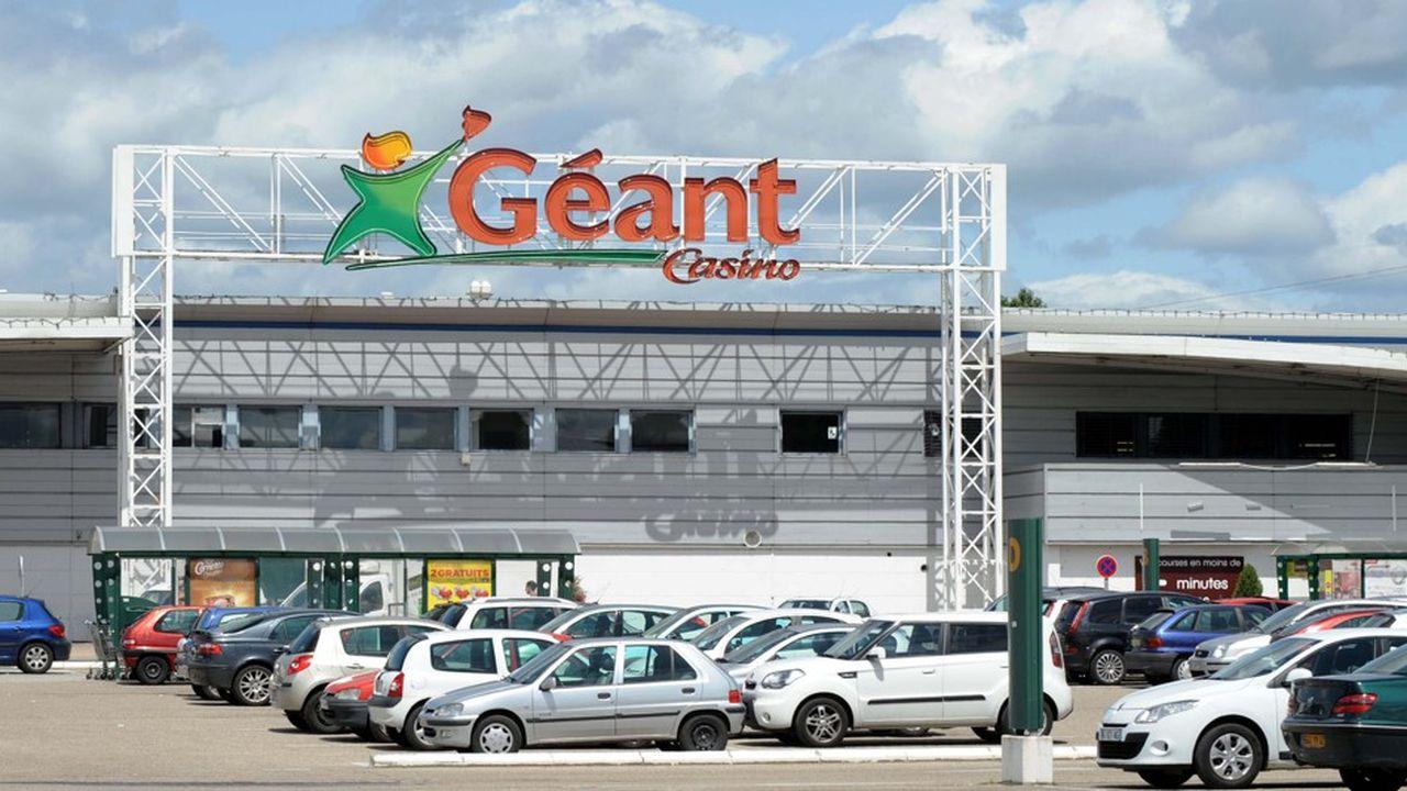 Carrefour a-t-il approché Casino? Les deux groupes présentent des versions différentes.