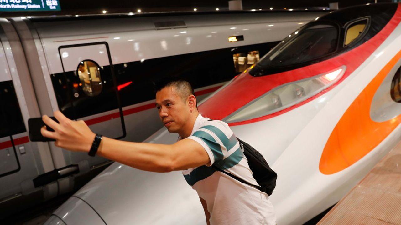 La nouvelle ligne ferroviaire relie désormais Hong Kong et Pékin en 9heures, contre 24 auparavant
