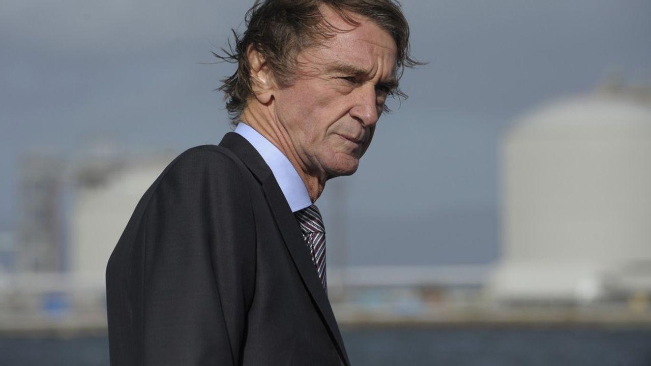 Ineos est la plus importante société non cotée de Grande-Bretagne, avec un chiffre d'affaires de 60milliards de dollars. Son propriétaire, Jim Ratcliffe, est la première fortune du royaume.