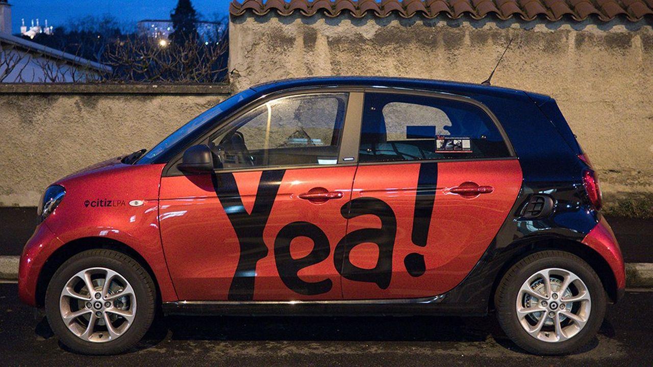 Voiture electrique d'auto partage en location sans borne de stationnement, Yea, Citiz LPA.