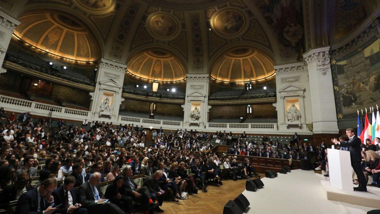 Emmanuel Macron avait tenu son discours fondateur sur l'Europe il y a un an exactement, à l'université de la Sorbonne à Paris