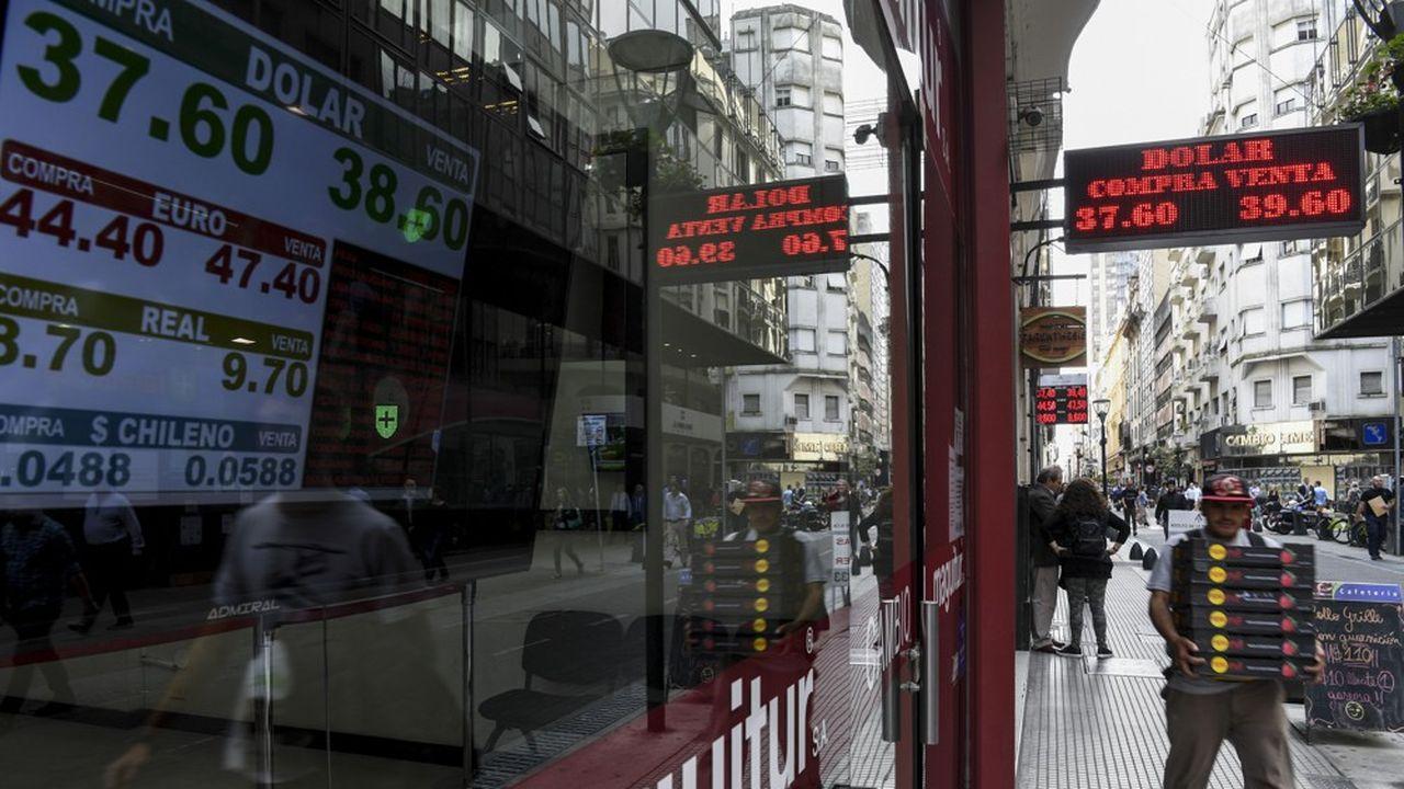Le peso a perdu près de la moitié de sa valeur par rapport au billet vert depuis le début de l'année