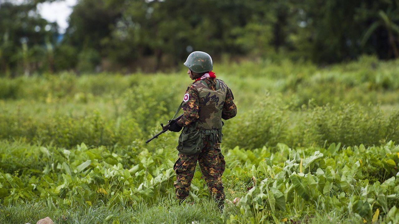 Un soldat birman dans l'Etat de Rakhine, dans l'ouest de la Birmanie