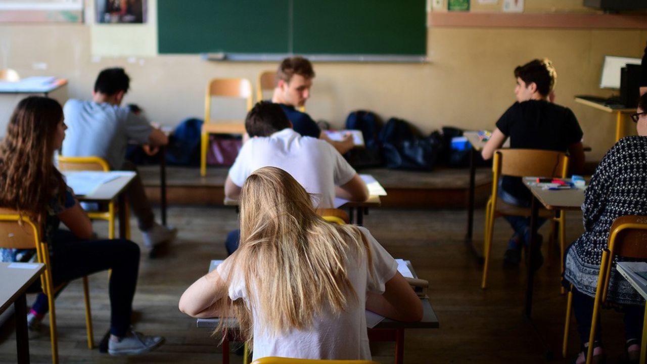 Parents d'élèves, anciens élèves, inspecteurs, personnels de direction, chercheurs feraient partie de ces évaluateurs externes des écoles et collèges.