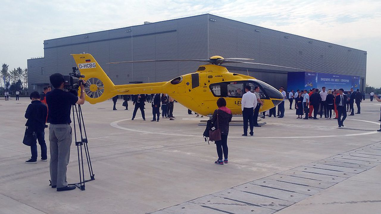 La chaîne d'assemblage d'Airbus Helicopters de Qingdao est dédiée au H135, un hélicoptère léger bimoteur.