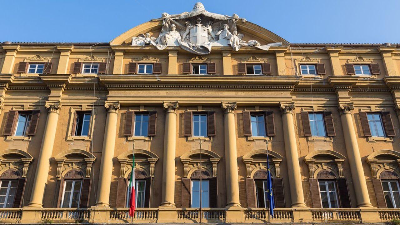 Le ministère des finances italien risque de se retrouver sous la pression des agences de notation.