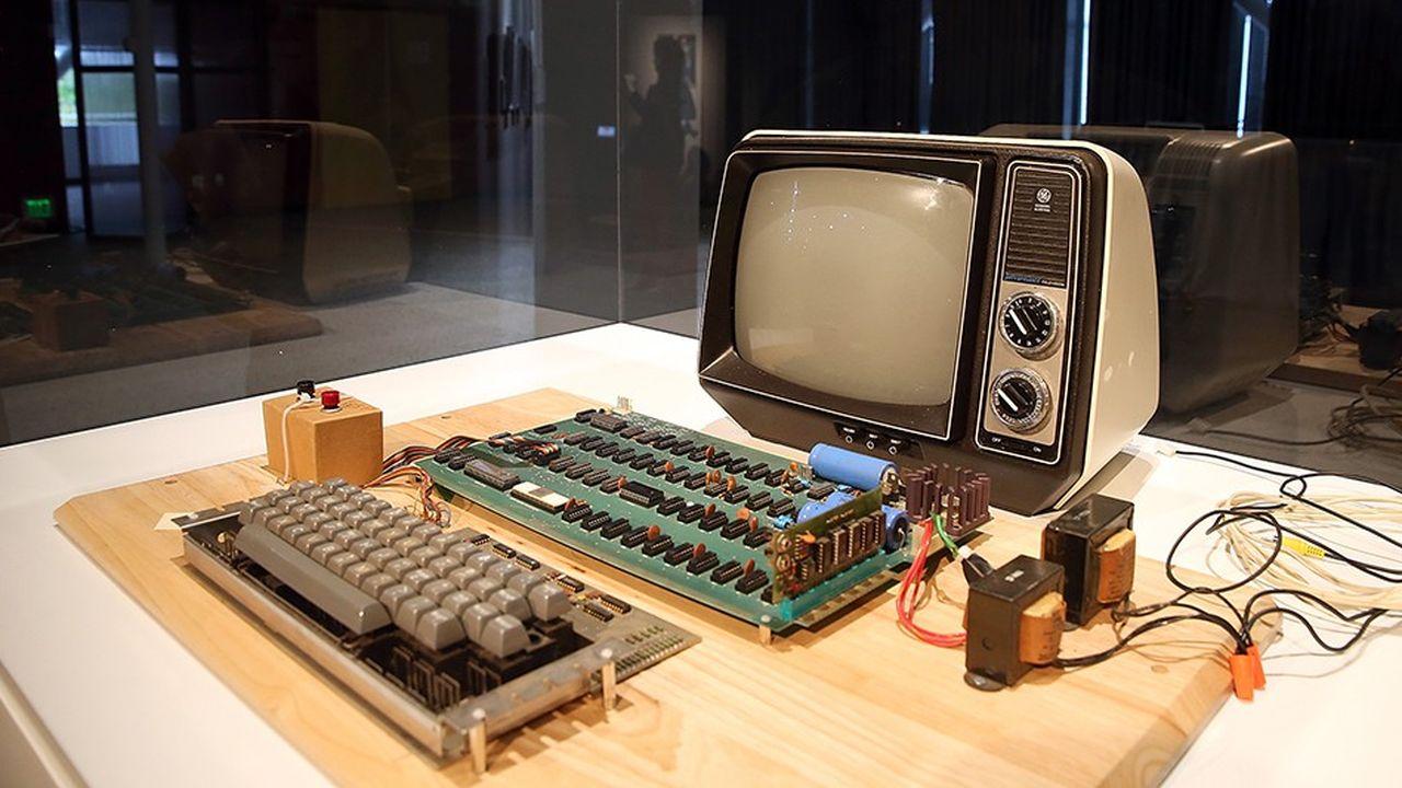 2209438_un-ordinateur-apple-vieux-de-40-ans-vendu-375000-dollars-web-tete-0302319756074.jpg