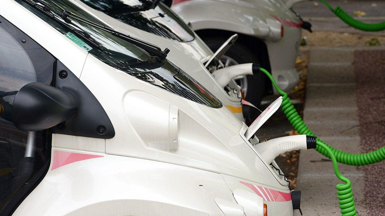 Enclencher un cercle vertueux pour la voiture électrique nécessite de pousser simultanément plusieurs boutons.