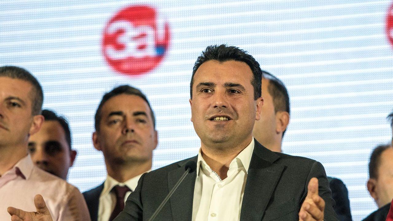 2209748_changement-de-nom-de-la-macedoine-le-oui-simpose-avec-une-faible-participation-web-tete-0302333736232.jpg