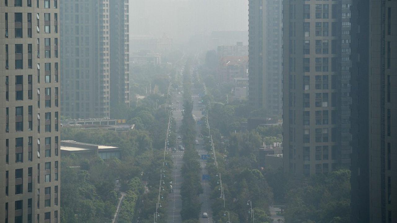 2210070_cette-nuit-en-asie-en-chine-la-pollution-de-lair-fait-1-million-de-morts-par-an-web-tete-0302339211163.jpg