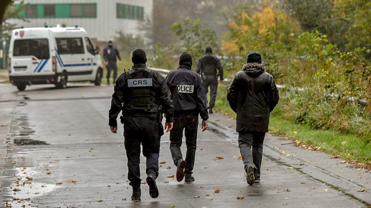 Près de 200 policiers, dont une trentaine du Raid, ont perquisitionné mardi les locaux de l'association chiite «Centre Zahra France» à Grande Synthe.