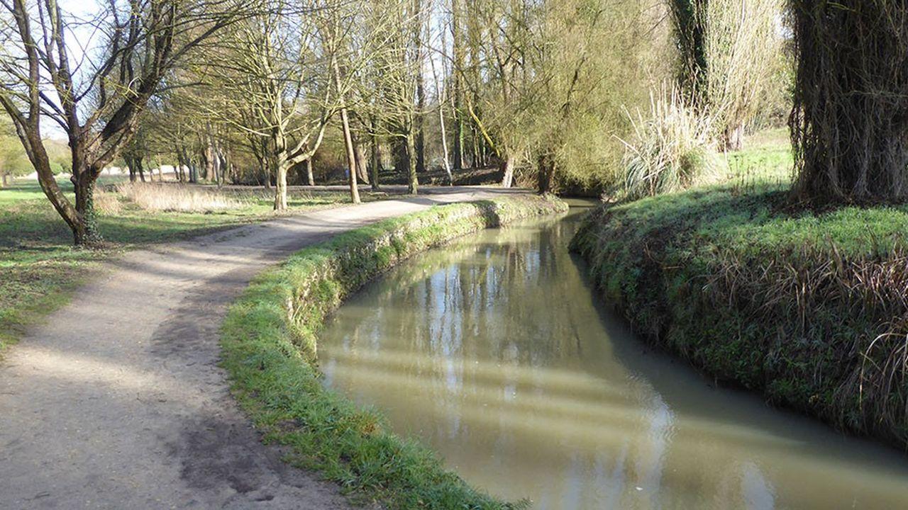 Une première portion du cours d'eau de 300 mètres a été rouverte à Fresnes, puis une deuxième à l'Haÿ-les-Roses, en 2016, sur 600 mètres.