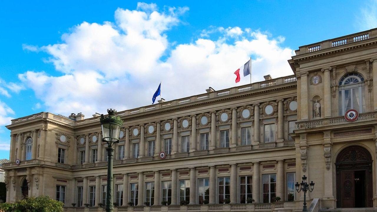 Le quai d'Orsay a annoncé le gel des avoirs en France de la Direction de la Sécurité intérieure du ministère du Renseignement iranien, ainsi que de deux citoyens iraniens.