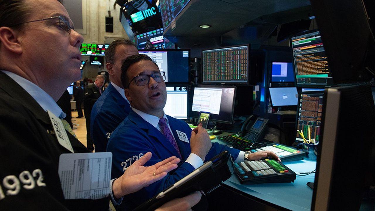 Refinitiv veut rattraper son retard sur Bloomberg dans les salles de marchés.