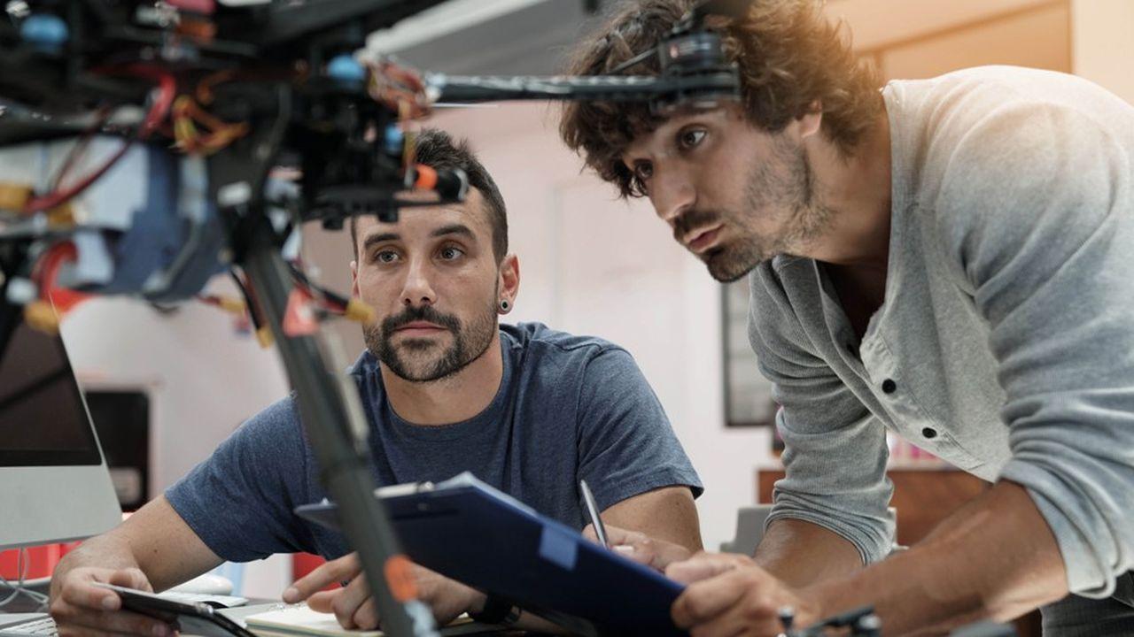 L'ingénierie et la R & D dans l'intelligence artificielle font partie des secteurs qui recrutent de plus en plus