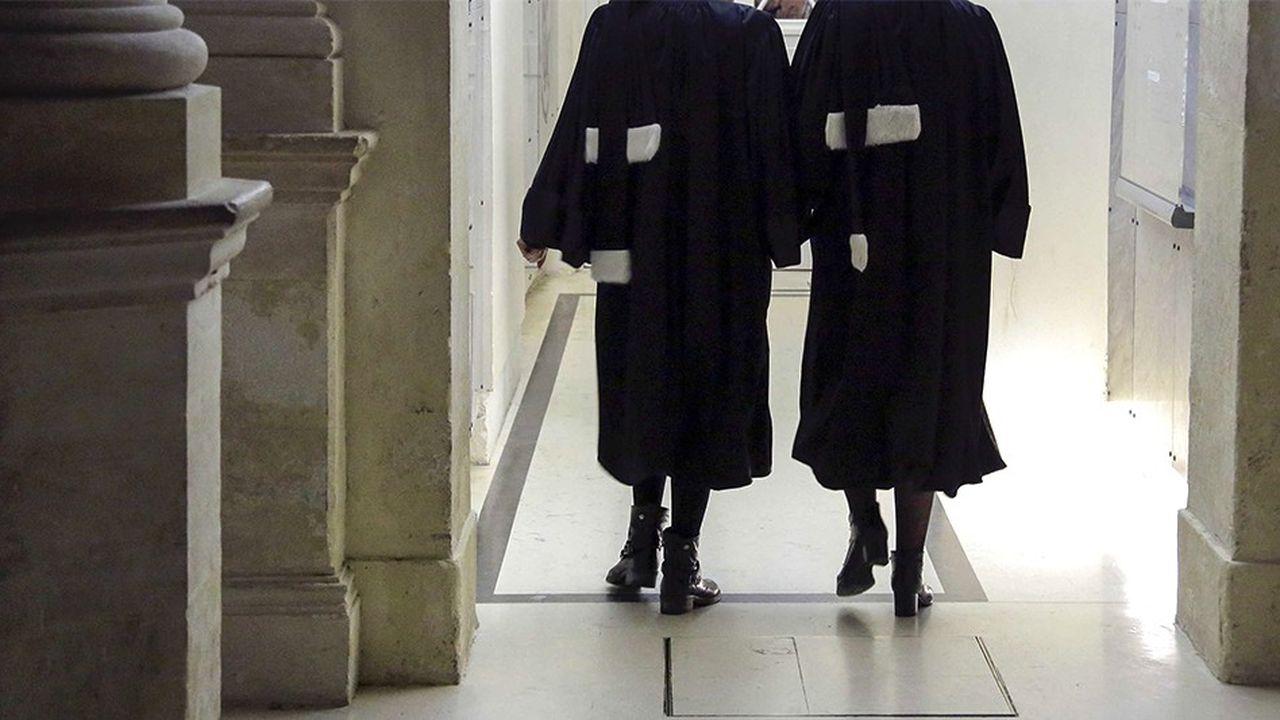 La féminisation de la profession d'avocat va s'accélérer quandles élèves avocates prêteront serment dans les années qui viennent.