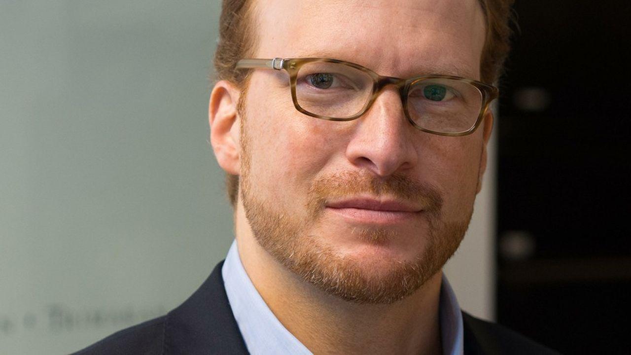 Andrew Beer, a commencé sa carrière en 1994 chez Baupost puis a fondé d'autres hedge funds, dans les matières premières et sur la Chine, et sa société Dynamic Beta investments