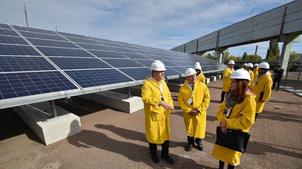 2211432_tchernobyl-devient-une-centrale-solaire-web-tete-0302364367154.jpg