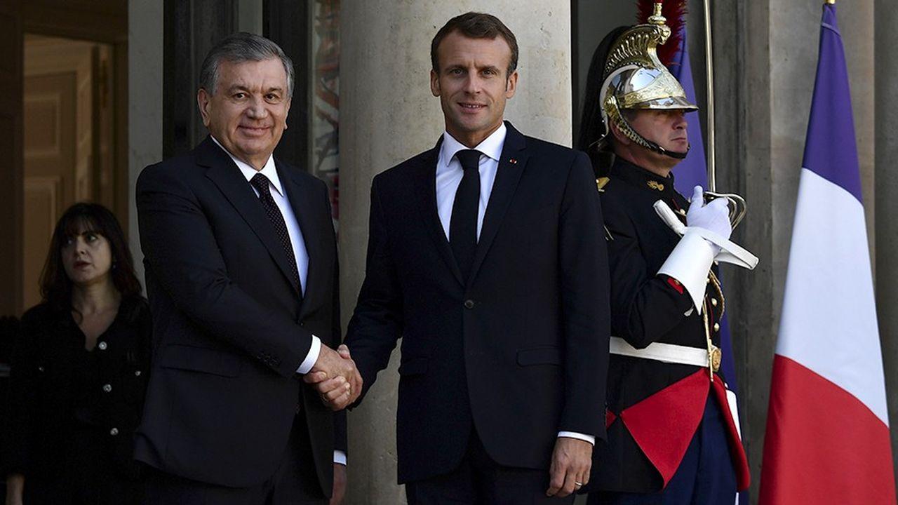 Le président Macron et le président ouzbek Chavkat Mirzioïev à l'Elysée le 9octobre 2018.