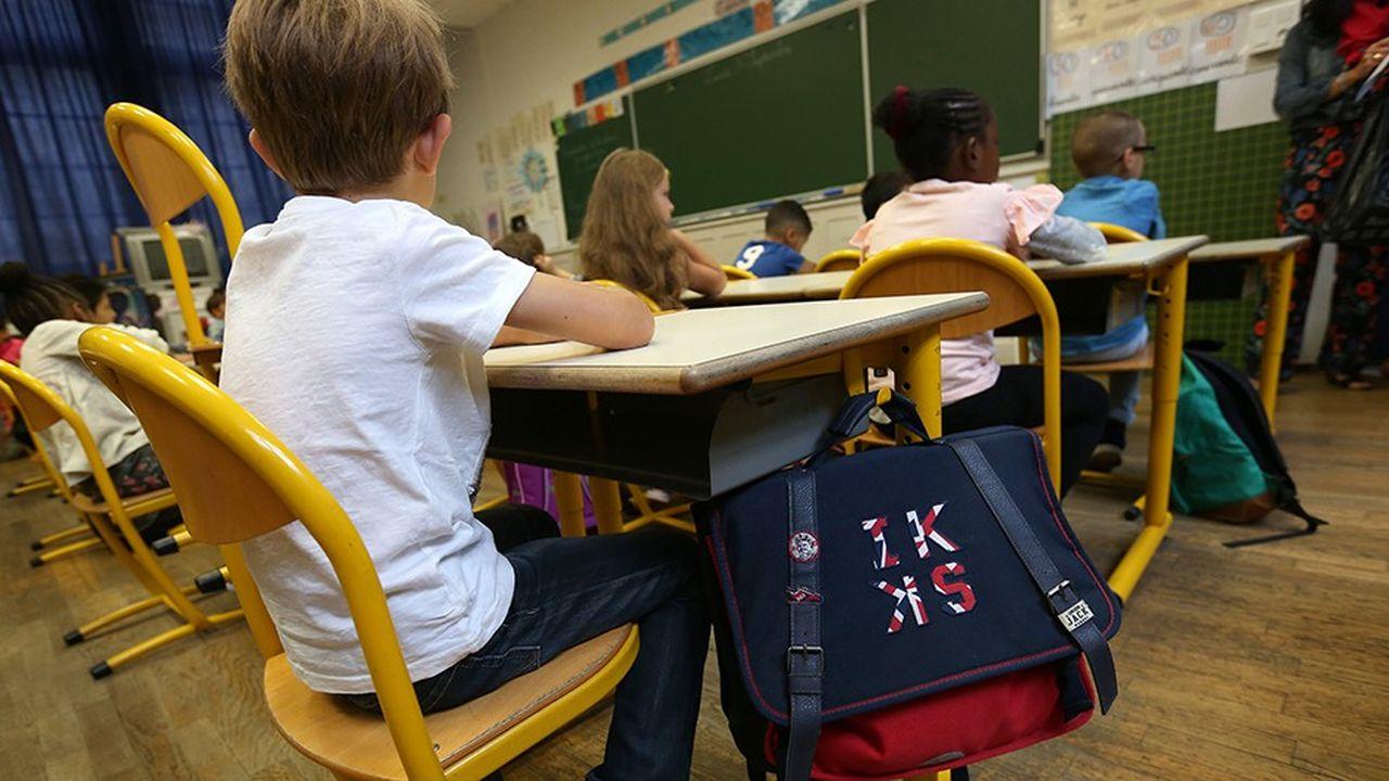 «Les élèves français figurent parmi ceux qui ont le moins confiance en leurs propres capacités, sont les plus anxieux, présentent une forte défiance envers le système scolaire en général et une faible capacité à coopérer entre eux par rapport aux autres pays de l'OCDE», selon l'étude du Conseil d'analyse économique.