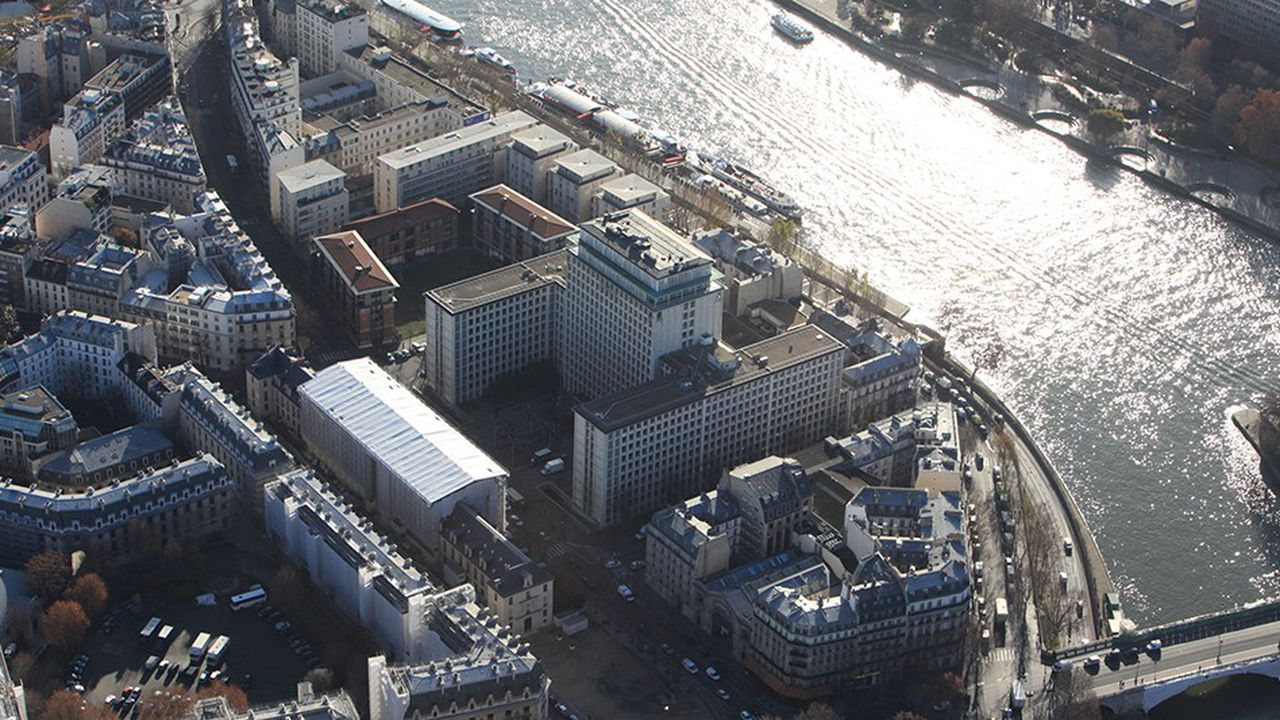 Vue aérienne du Centre administratif Morland.