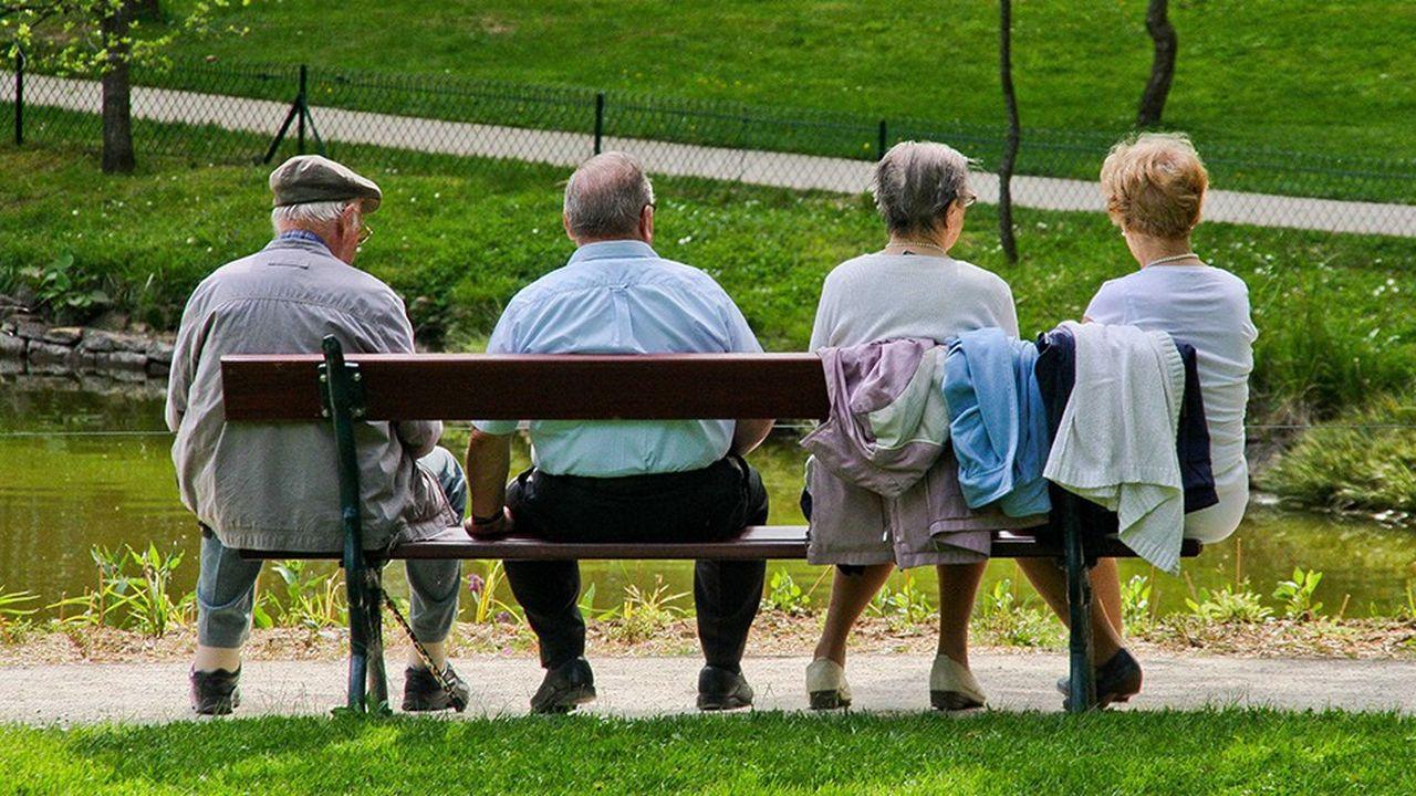 La réforme des retraites maintiendra des pensions de réversion pour les veuves et veufs et un minimum de pension pour les bas salaires et les carrières hachées.