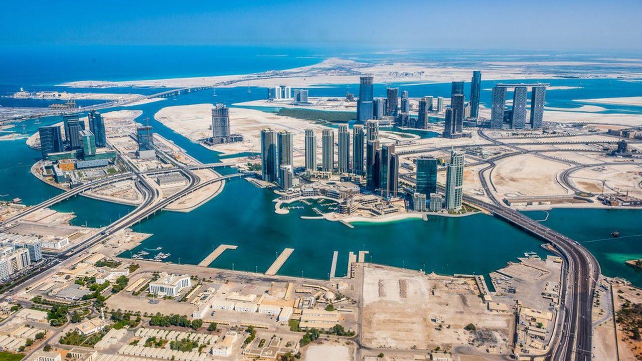 La course aux mégalopoles du futur est lancée dans la péninsule arabique (ici Abu Dhabi, aux Emirats Arabes Unis)