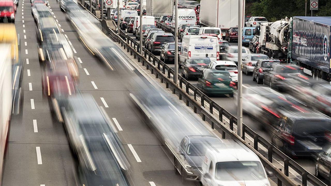 2212537_pollution-automobile-leurope-trouve-un-compromis-qui-ne-satisfait-personne-web-tete-0302387293630.jpg