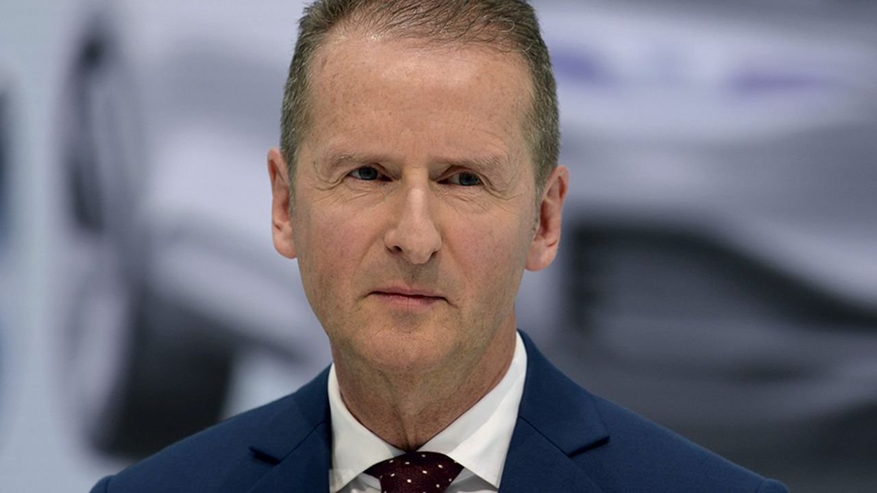 Herbert Diess, le patron de Volkswagen, s'inquiète des conséquences pour l'emploi de l'électrification de l'automobile.